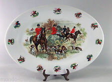 GRAND PLAT OVALE en faience, lourd, décor chevaux, cavaliers, chasse, estampille