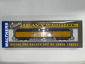 Walthers Pullman Heavyweight Baggage Union Pacific #932-10508 (Yellow)