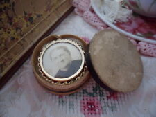 VINTAGE ANTIQUE OLD SEPIA PORTRAIT PHOTOGRAPH ROLLED GOLD MOURNING  BROOCH PIN