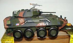 1:18 Forces of Valor Unimax U.S Woodland Camo Light Armoured Vehicle LAV-25