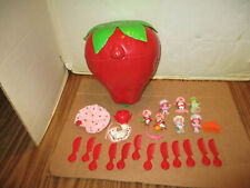 Vintage Lot Strawberry Shortcake 7 Doll Figures Carry Case Combs