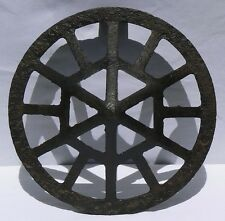 Large cast iron grate with beautiful form and surface. From the late 1800's.