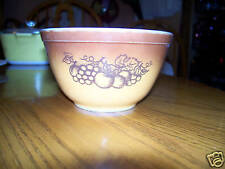 PYREX MIXING NESTING BOWL OLD ORCHARD BROWN 1.5 PT #401