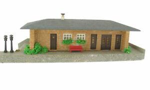 Faller 104 - Bahnhof Haltepunkt - Spur H0 Eisenbahn Holz Kunstoff Haus House