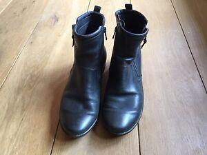 Black Ecco Ankle Boots Eu 41