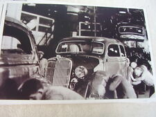 1935 FORD  ASSEMBLY LINE  11 X 17  PHOTO /  PICTURE