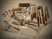 Vintage, ancien, lot, decapsuleur, tire bouchon, fusil, etc. 1,480 kg.  34 pcs