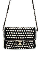 Chanel 2018 Limited Edition Crochet Faux Pearl Flap LTDE821 Shoulder Handbag Bla