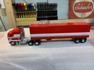 1/64 BJ & the BEAR Custom made tractor trailer