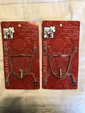 LOT of 2 Metal Wire Spring Plate Holders Wall Hangers