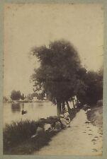 La lecture au bord d'une rivière Scène de genre Vintage albumine 1875