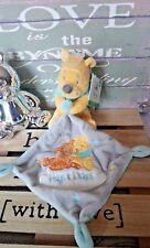 Doudou Winnie l'ourson  mouchoir gris bleu nuage Hugs & Wishes Disney + cadeau