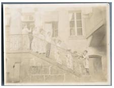 Pose sur l'escalier  Vintage silver print Tirage argentique  9x12