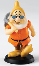 Disney Leading Dwarf Doc Seven Dwarfs Figurine NEW in Gift Box 19891
