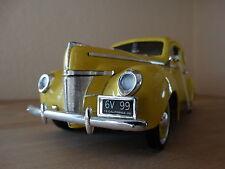 Ford Deluxe Coupe 1940 jaune 1:18 par Motormax