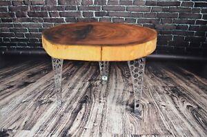 Beautiful Intense Natural Round Oak Table