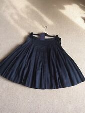 New Prada Skirt With Tag Authentic Size 42(USA 6)Color Black.Made In Italy.