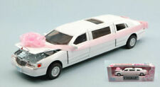 LINCOLN TOWN CAR STRETCH LIMOUSINE 1999 JUST MARRIED 1:38 MODELLISMO GIOCATTOLO