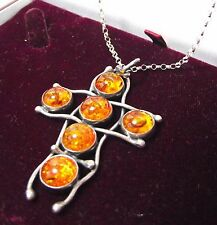 CROSS CRUCIFIX AMBER PENDANT WHITE METAL CHAIN SILVER NECKLACE JEWELLERY