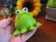 """New Wacky """"Fred McGrumps"""" Green Frog Shape Foam Relax Squeeze Stress Relief Ball"""