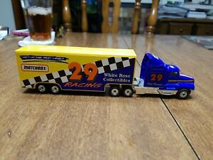 Phil Parsons #29 White Rose Collectibles 1:87 Racing Team Transporter Matchbox