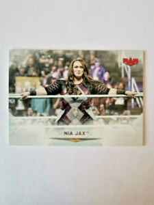TOPPS WWE UNDISPUTED 2020 NIA JAX N°17