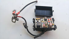 2013-2015 Fiat 500E EV 12V fusebox and positive battery terminal