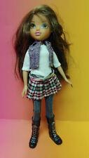 2009 BRATZ Girlz Moxie Doll Girl Figure MGA Clothes Shoes Brown Hair Green Eyes