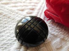ancien bouton noir strié quadrillage àpied metal diamètre  2,6 cm G15R