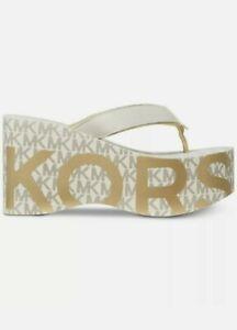 NWB MICHAEL Michael Kors Benny Flip-Flop Wedge Sandals Vanilla Gold Grey Logo 10