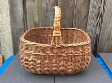 LARGE TRADITIONAL SCHOOL COOKERY/PICNIC/SHOPPING BASKET VINTAGE WILLOW/WICKER