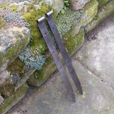 2 alte Türbänder Dornmaß 13mm geschmiedete Langbänder Torbänder 607mm