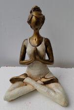 Femme Yoga résine cm 23hx16x10 namasté relax ragazza statue sculpture blanc