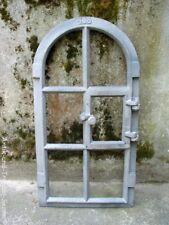 Gussfenster roh Stallfenster mit Bogen und Flügel 31x59 Fe1003r