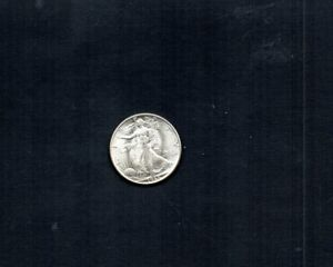 UNITED STATES 1945-P WALKING LIBERTY 50 CENTS. 90% SILVER. MINT STATE. UNCIRC.