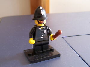Lego Collectable Minifigure Series #11 Constable #71002