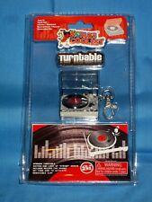 NIP World's Coolest  MINI TURNTABLE Keychain Smallest Book Bag Hanger DJ!