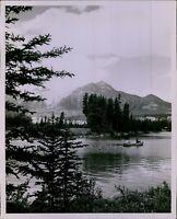 LD207 1982 Orig Photo LAKE BEAUVERT Jasper National Park Alberta Canada Nature