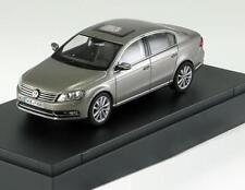 VW PASSAT BERLINE 2011 SILVER PEARL SCHUCO 3AE.099.300.A8X 1/43 VOLKSWAGEN