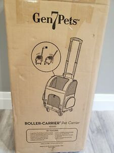 NIB Gen7Pets RC1000 Compact Dog Cat Roller Carrier up to 10lb - Red