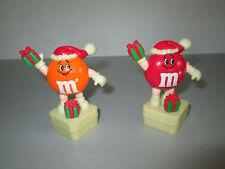 2 x M&M Figur rot und orange mit Weihnachtsgeschenk MARS 1993 ca. 8cm