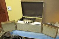 Vintage 1950's MOTOROLA SH18GL Portable/Suitcase Record Player Gold Color J0372