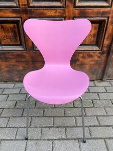 1/4 Fritz Hansen Arne Jacobsen Serie 7 in pink Designerstuhl Vintage Chair