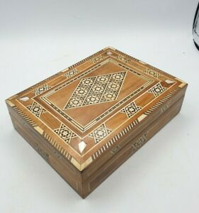 Vintage Inlaid Cigarette Box Morroccan Mosaic wilt Mother of Pearl