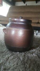 Vintage 70s Bendigo Pottery Epsom, Bread Crock. Near new excellent condition.