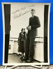 ROBERT WADLOW AUTOGRAPHED ORIGINAL 1937 NEWS PHOTO - ABOARD THE QUEEN MARY  1/1