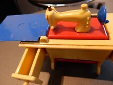 Vintage 1950's Doll's House Foldaway SEWING MACHINE no8001 made in great britain