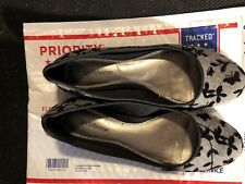 Shoes, LIZ CLAIBORNE, flats, grey with black leaves & butterflies, SZ: 8M