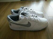 Nike basso bianco e Big Grigio Vera Pelle Sneaker UK 9