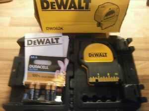 DEWALT PLUMB BOB LASER LEVEL, MODEL DW082 (NEW)